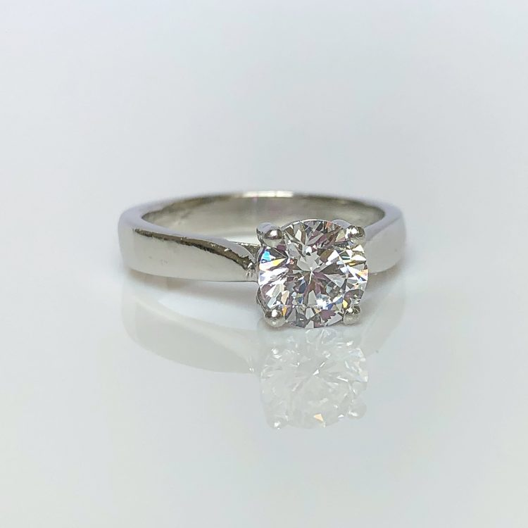 18ct White Gold & 0.90ct Diamond Solitaire Engagement Ring