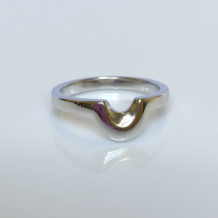 18ct White Gold Unusual Shaped Wedding Ring