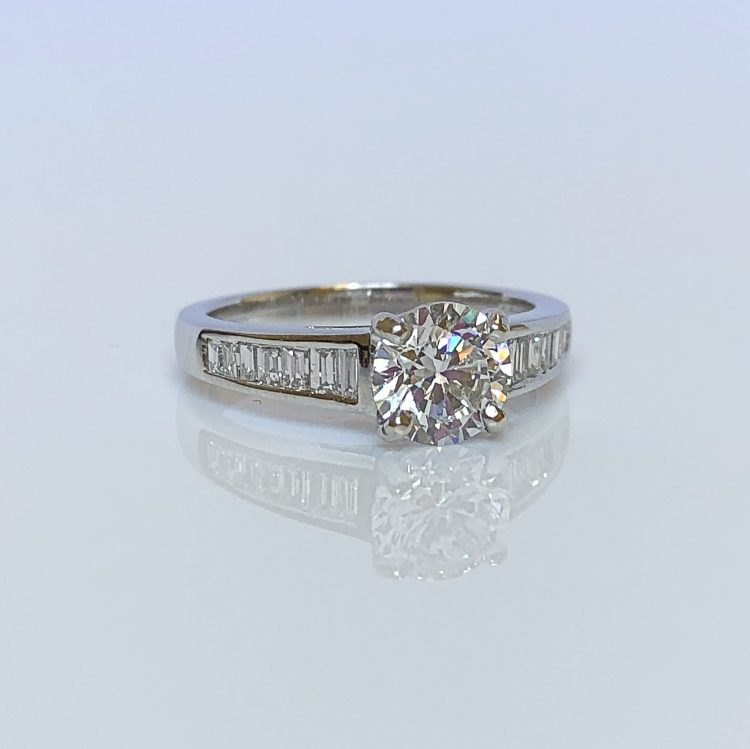 18ct White Gold & 1.10ct Diamond Solitaire Engagement Ring