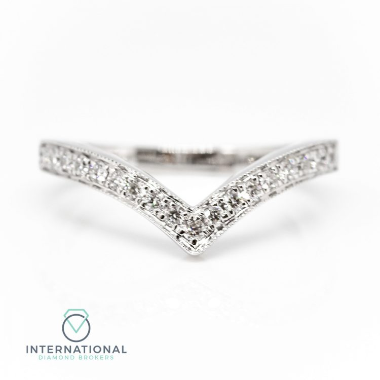 18ct White Gold 0.25ct Diamond 'V' Shaped Half Eternity Ring